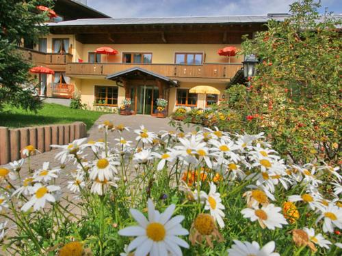 Ferienhotel Almajur in Mittelberg from €80