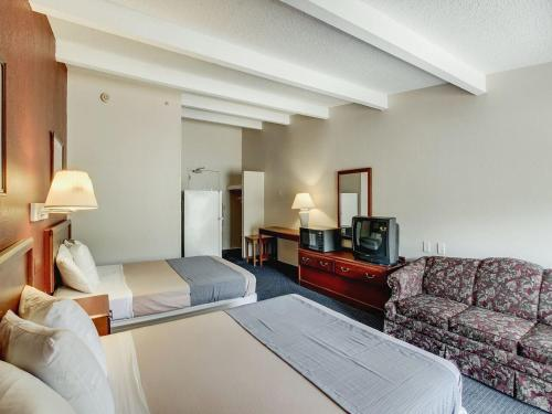 Americas Best Value Inn Whippany Photo