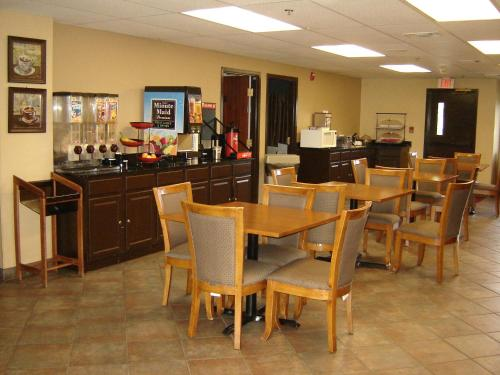 Days Inn Phenix City Photo