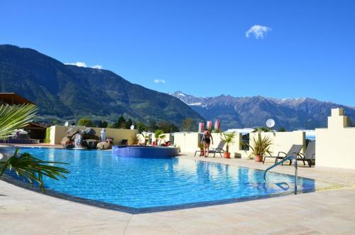 Schlosshof Charme Resort  Hotel & Camping