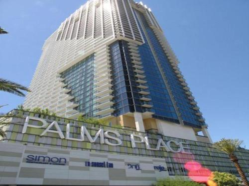 Palms Place Rated R Suite