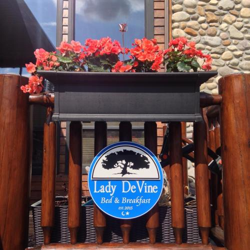Lady DeVine Bed and Breakfast Photo