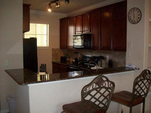 Charo Parkway Apartment 612 Photo