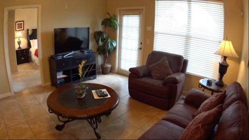 Charo Parkway Apartment 115 Photo