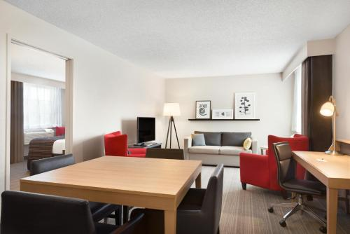 Country Inn & Suites by Radisson, Minneapolis West, MN Photo