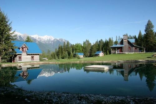 Nipika Mountain Resort Photo