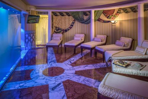 Rome Cavalieri, Waldorf Astoria Hotels and Resorts photo 70