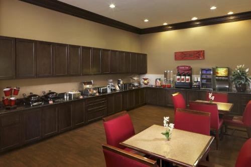 TownePlace Suites Houston Intercontinental Airport photo 21
