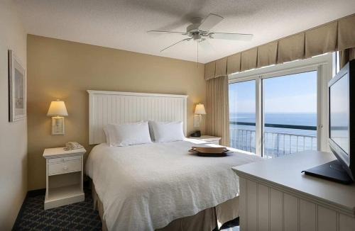 Hampton Inn & Suites Myrtle Beach Oceanfront Photo