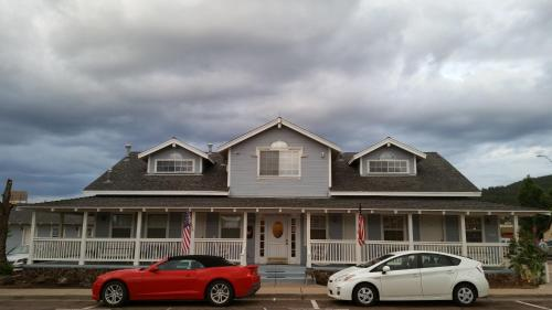 Canyon Country Inn Photo