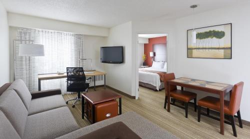 Residence Inn Canton Photo