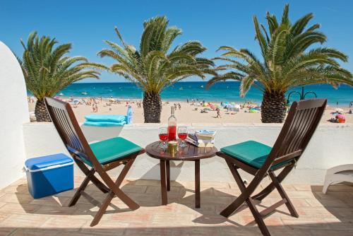 holidays algarve vacations Praia Da Luz Luz Beach Apartments