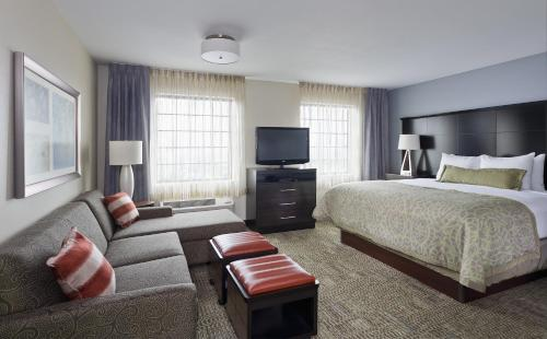 Staybridge Suites Montgomeryville Photo