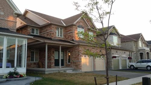 Fully Furnished House in Markham Photo