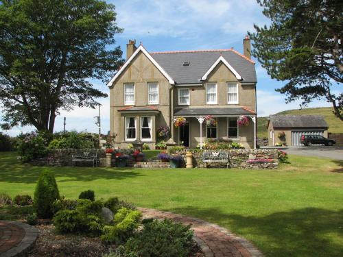 Photo of Gwrach Ynys Country Guest House Hotel Bed and Breakfast Accommodation in Harlech Gwynedd