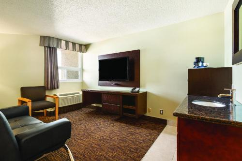 Days Inn Vermilion Photo