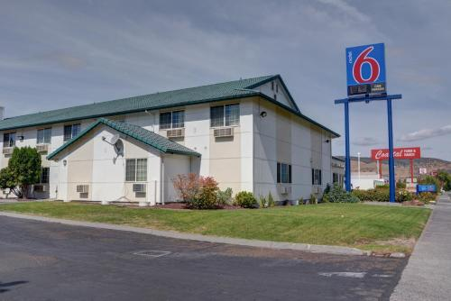 Motel 6 The Dalles Photo