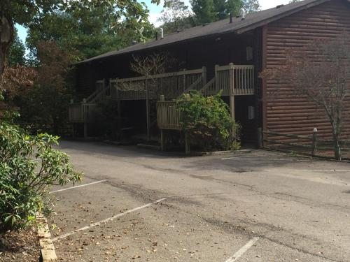 Highland Hills Motel & Cabins Photo