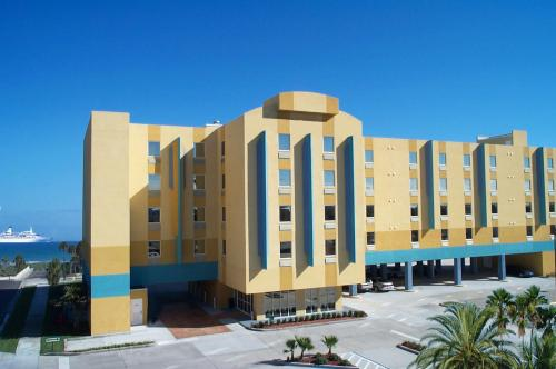 Cocoa Beach Suites Hotel Photo