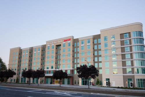 Residence Inn by Marriott San Jose Airport Photo