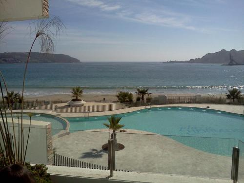 Playa Herradura Photo
