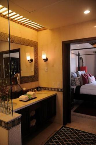 Suites at Grand Solmar Land's End Resort and Spa Photo
