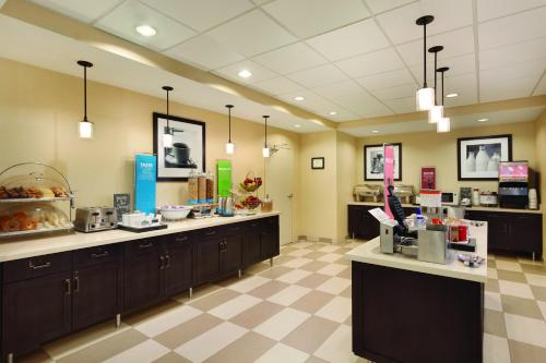 Hampton Inn & Suites Philadelphia Montgomeryville Photo