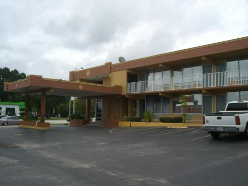 America's Best Inn & Suites Photo
