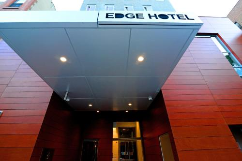 Edge Hotel Washington Heights Photo