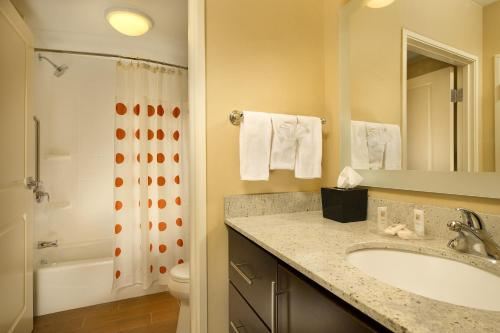 TownePlace Suites by Marriott Lincoln North Photo