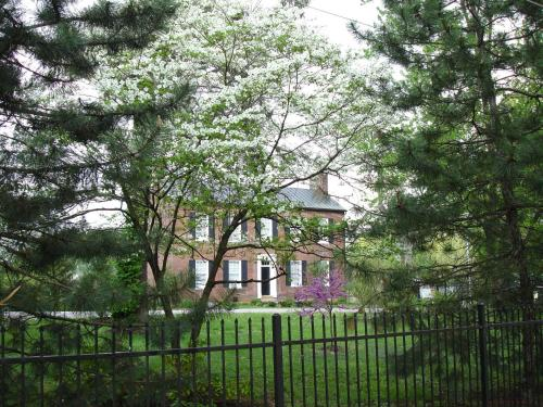 Bourbon Manor Bed & Breakfast Inn Photo