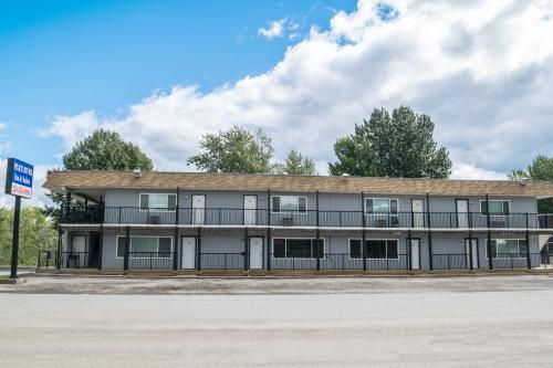Peace River Inn & Suites Photo
