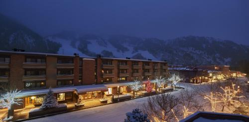 Aspen Square Condominium Hotel Photo