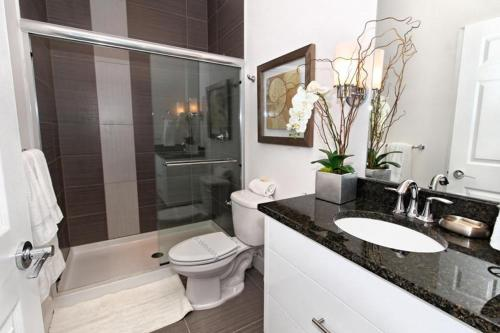 Serenity Townhome with Pool 17436 Photo