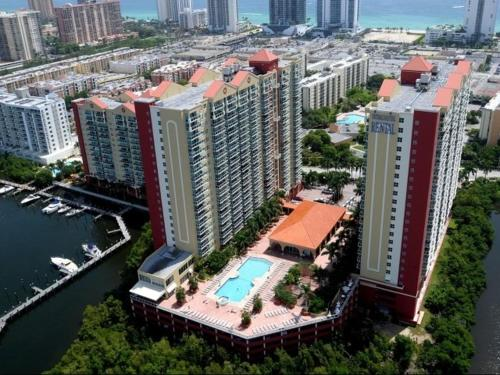 Sunny Isles 2/2 Apartment Photo
