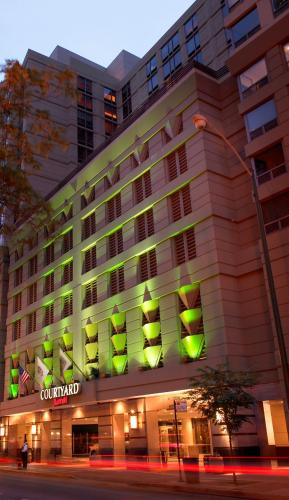 Courtyard by Marriott Chicago Downtown/River North - chicago -