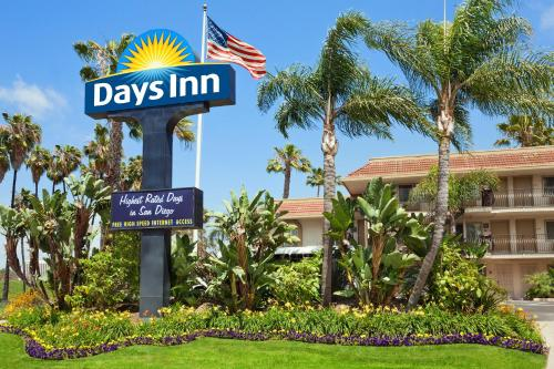 Days Inn San Diego Hotel Circle Near SeaWorld Photo