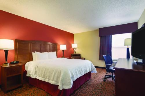 Hampton Inn Shawnee in Shawnee