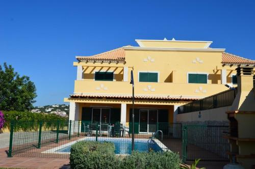 holidays algarve vacations Almancil Villa Luna