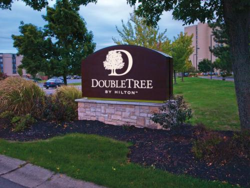 DoubleTree by Hilton Buffalo-Amherst Photo