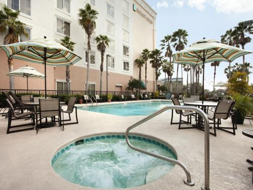 Embassy Suites Orlando - Airport photo 2