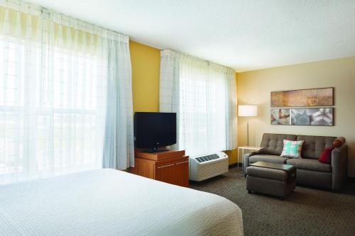 TownePlace Suites by Marriott Chicago Naperville Photo