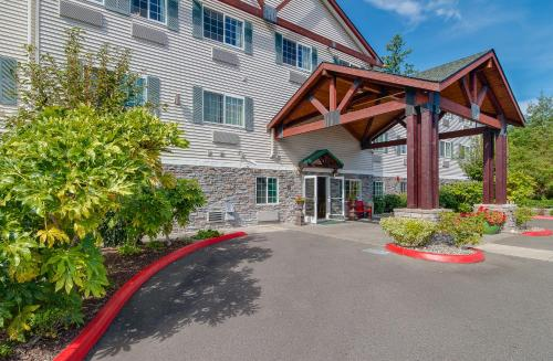 FairBridge Inn & Suites DuPont Photo