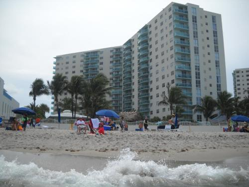 Apartments on the Beach Photo