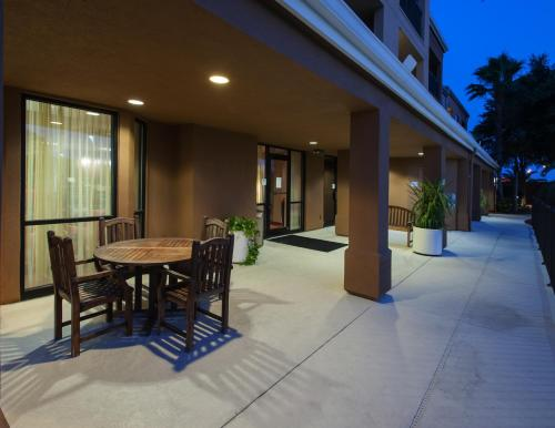 Courtyard By Marriott Lakeland - Lakeland, FL 33803