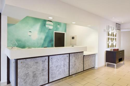 SpringHill Suites Phoenix North photo 10
