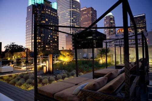 Downtown LA 1-Bedroom with Views Photo