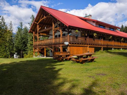 Heather Mountain Lodge Photo