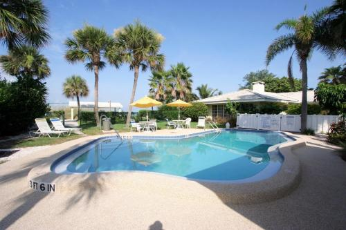 Turtle Crawl Inn - Longboat Key Photo