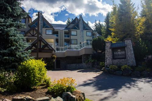 Wildwood Lodge by Peak to Green Accommodations Photo